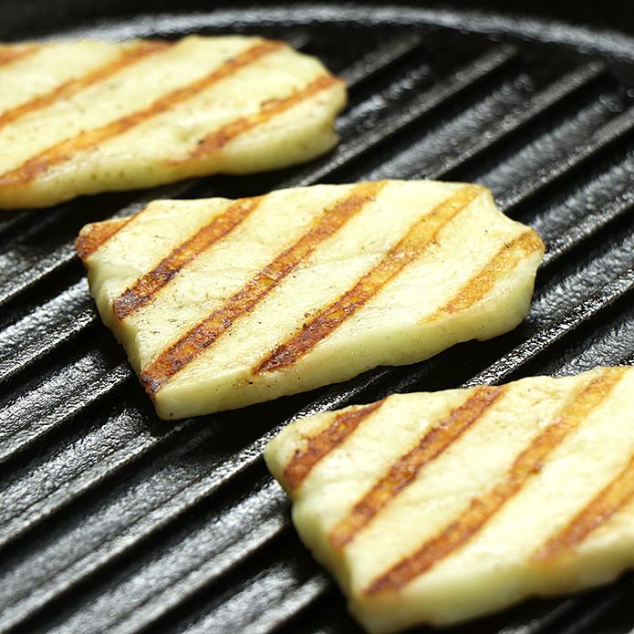 トルコ産 ハルミチーズ 250g 焼いても溶けない不思議なチーズ