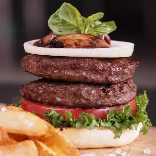 Kangaroo Burger Patties (100gx30 - 3kg)