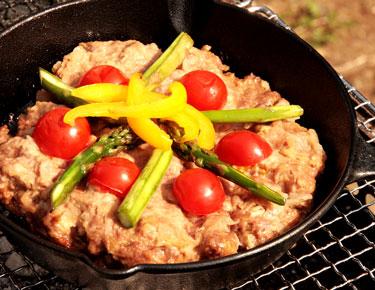 いつもと違うキャンプ料理を楽しめる!スキレットで作る簡単レシピ