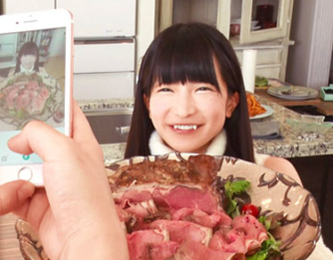 Girls Only Meat Lover Party with Azuki Moeno!