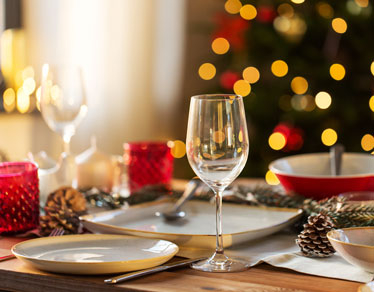Easy Christmas recipes. From appetizers, main dishes to desserts!