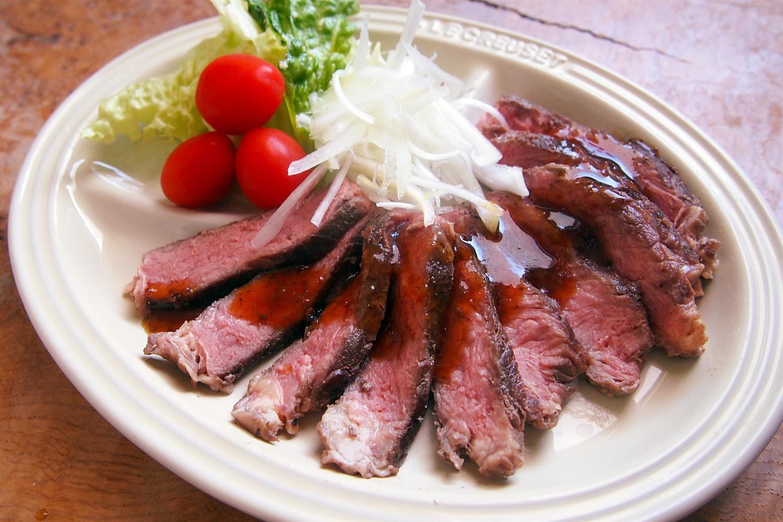 牛リブロース肉のタリアータ