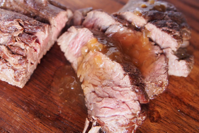 カンガルー肉のステーキ